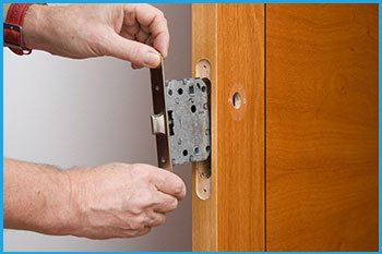 Lock Locksmith Services Pittsburgh, PA 412-386-9026